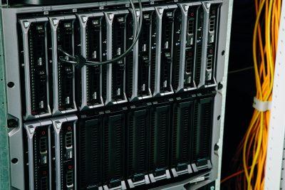 Serverschrank installiert von der Elektro Morjan oHG