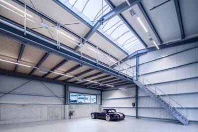 Autohalle mit LED Technik von Elektro Morjan oHG